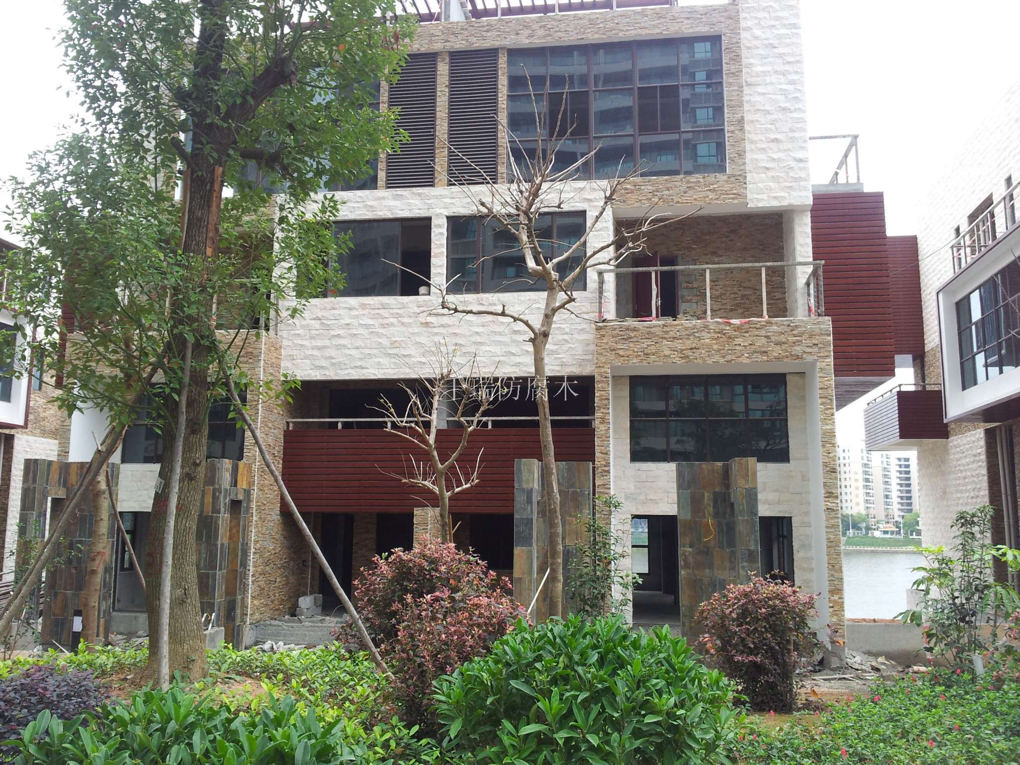 实木花槽 庭院家具 其他系列 联系方式 地 址:河北省秦皇岛市海港区土